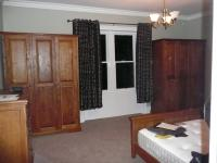 MEDIUM OAK WARDROBES